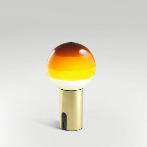 lampara de mesa de diseño de colores