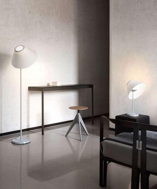 lampara de pie de diseño blanca